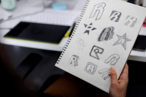 Expert Logo Design Ideas to Captivate Your Audience
